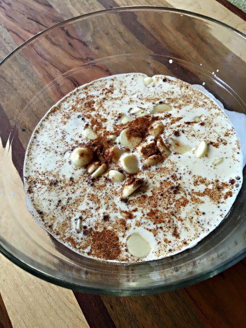 No-bake pumpkin spice cheesecake, cream & white chocolate