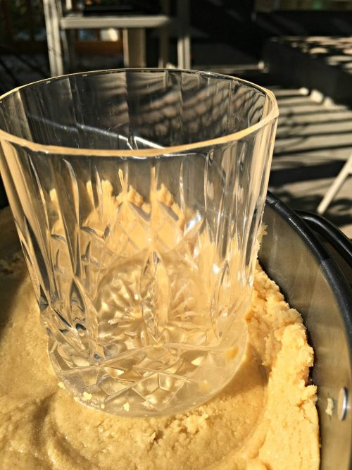 No-bake pumpkin spice cheesecake, cup and crust