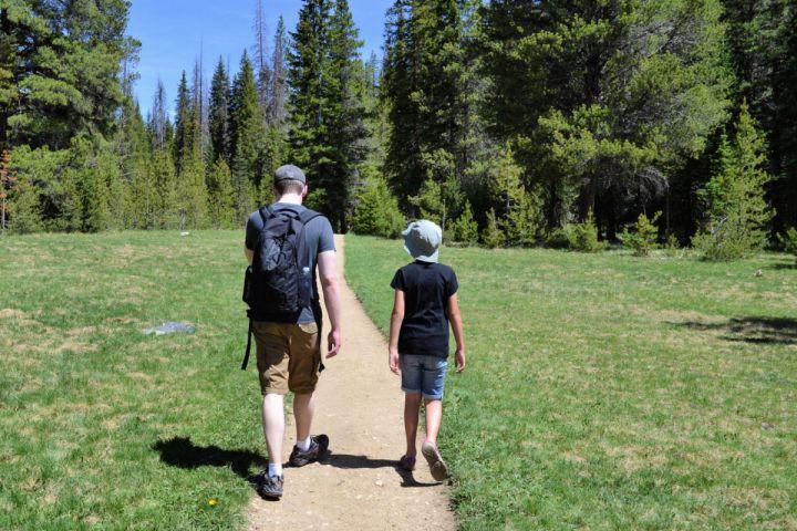 Hiking in Rocky Mountain National Park #grandlakecolorado #rmnp