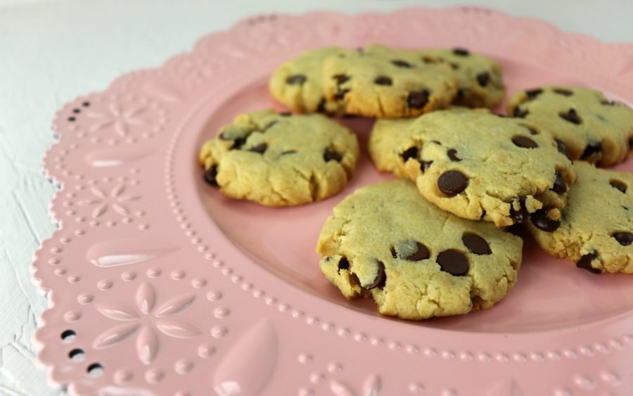 Best Chewy Keto Chocolate Chip Cookies