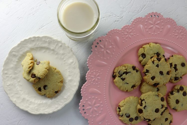 Best chewy keto chocolate chip cookies, overhead