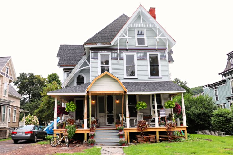Belva Lockwood Inn, as featured on House Hunters. #belikebelva #experiencetioga #15thingsowego #familytravel #explorermomma