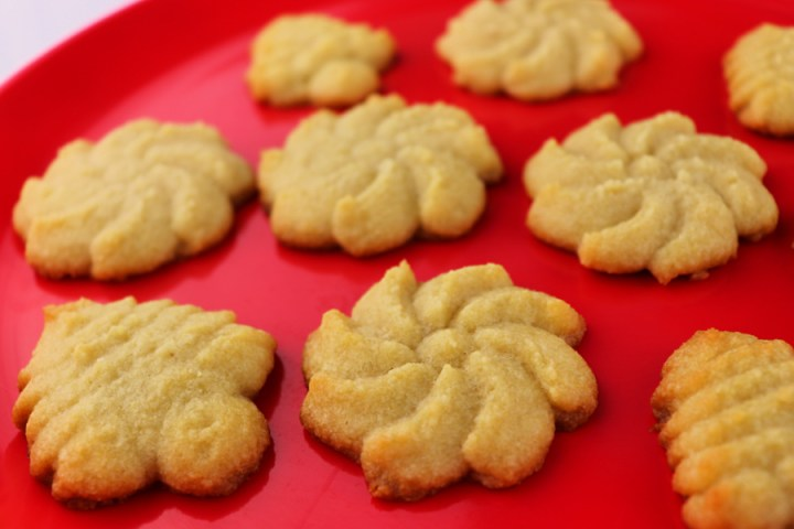 Keto Butter Spritz Cookies are gluten-free, sugar free, easy, and delicious! Buttery and melt in your mouth, the perfect low carb recipe. Christmas cookies recipes we love. #lowcarbrecipes #cookierecipes