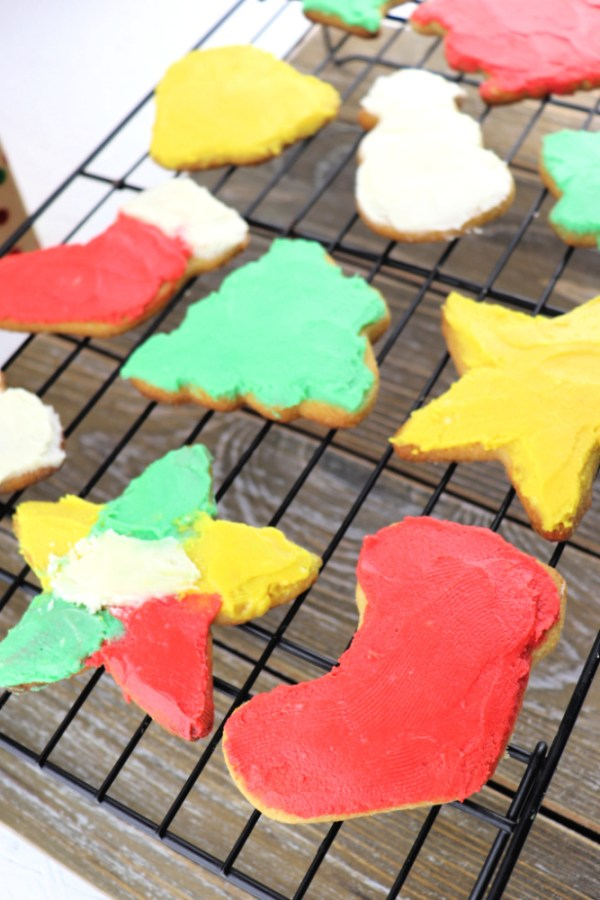Keto Cut Out Sugar Cookies frosted in fun colors #familychristmas #lowcarbrecipes