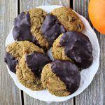 Keto pumpkin cookies, dipped in sugar-free chocolate. Gluten-free and low carb pumpkin spice. #pumpkincookies #ketopumpkin