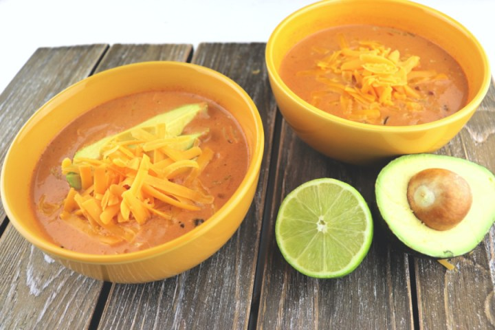 Keto taco soup: delicious, gluten-free, low carb and a comfort taco in a bowl. #lowcarbtacos #ketodinners
