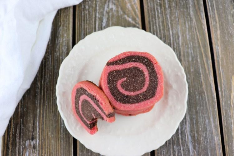 Low carb chocolate pinwheel cookies, overhead #lowcarbcookie #lowcarbrecipes