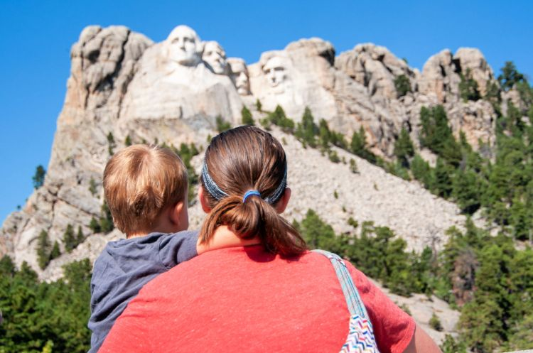 Mount Rushmore with kids, Badlands, South Dakota #mountrushmore #badlandsnationalpark