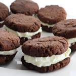 Keto chocolate sandwich cookies, copycat oreos, low carb chocolate cookies #ketocookies #ketodesserts