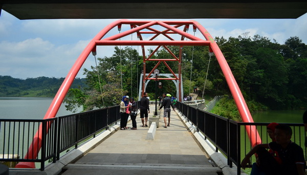 Jembatan goa kreo