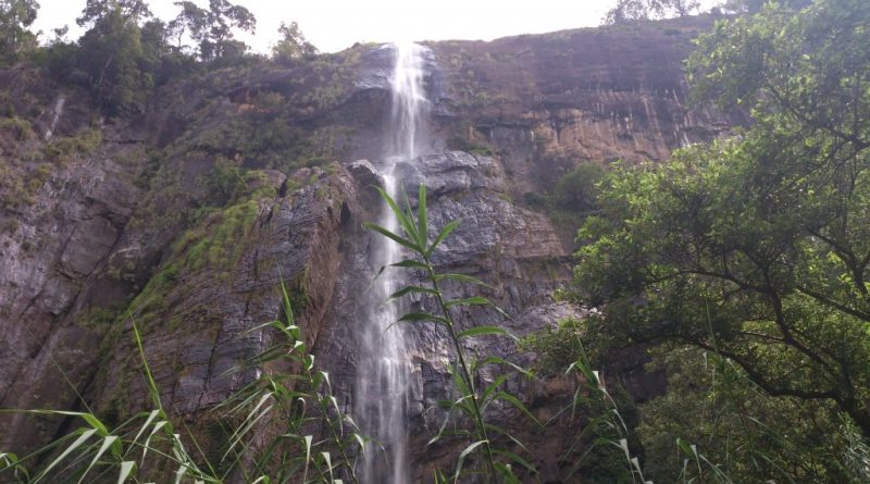 Diyaluma Falls in Dry Season