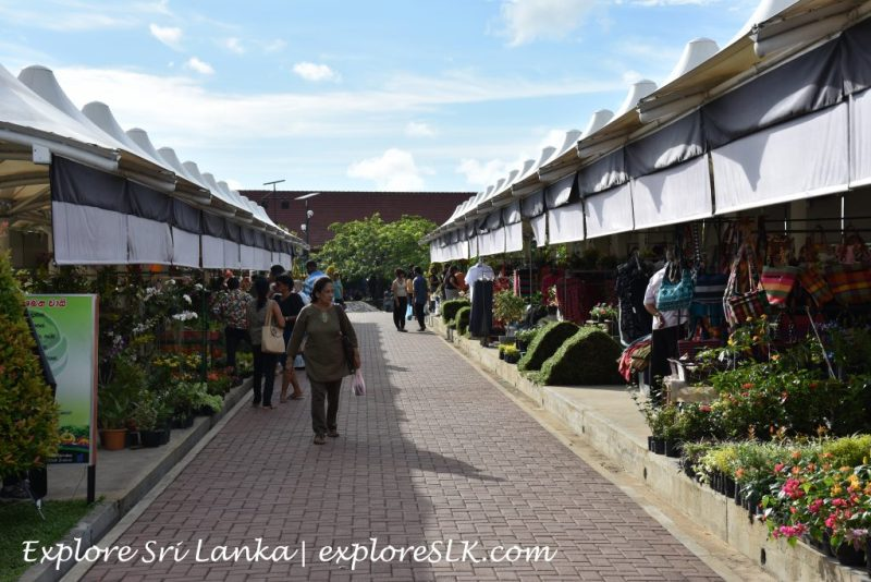 Flower stalls at Diyatha Uyana