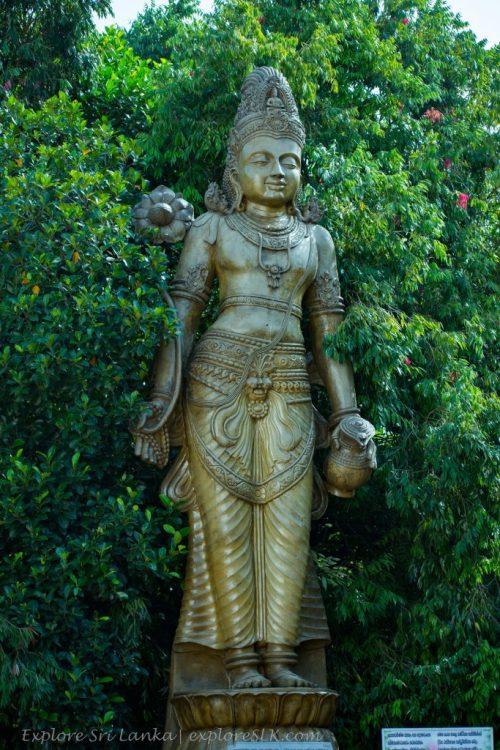Statue of Bodhisathwa