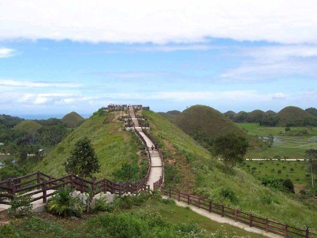 Sagbayan-Peak-chocolate-hills