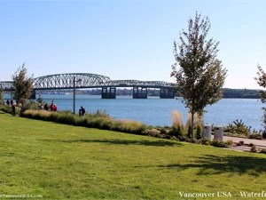 looking over Columbia River to I-5 bridge