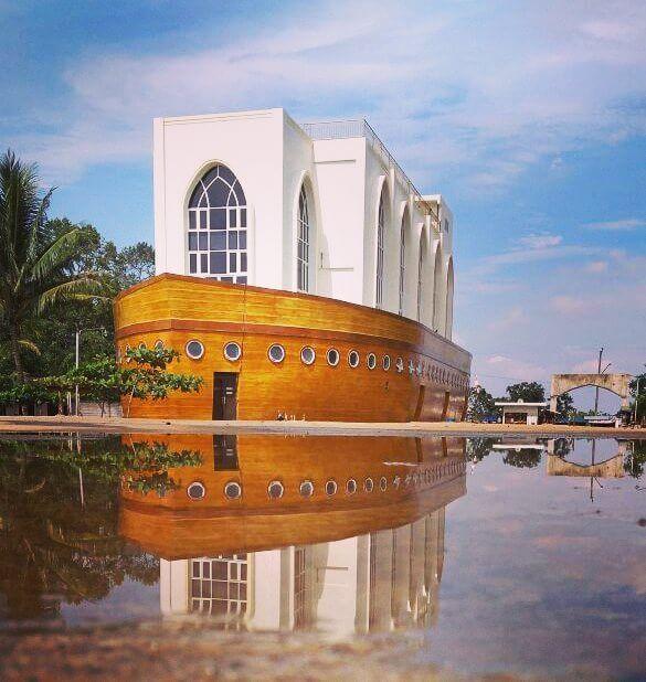 Wisata Religi ke Masjid Kapal Semarang nan Unik  Inibaruid