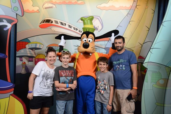 Hanging out with Goofy in Epcot