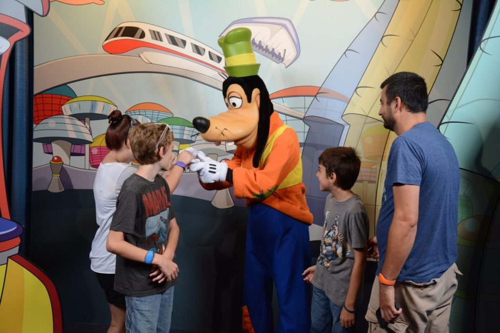 Meeting Goofy in Epcot