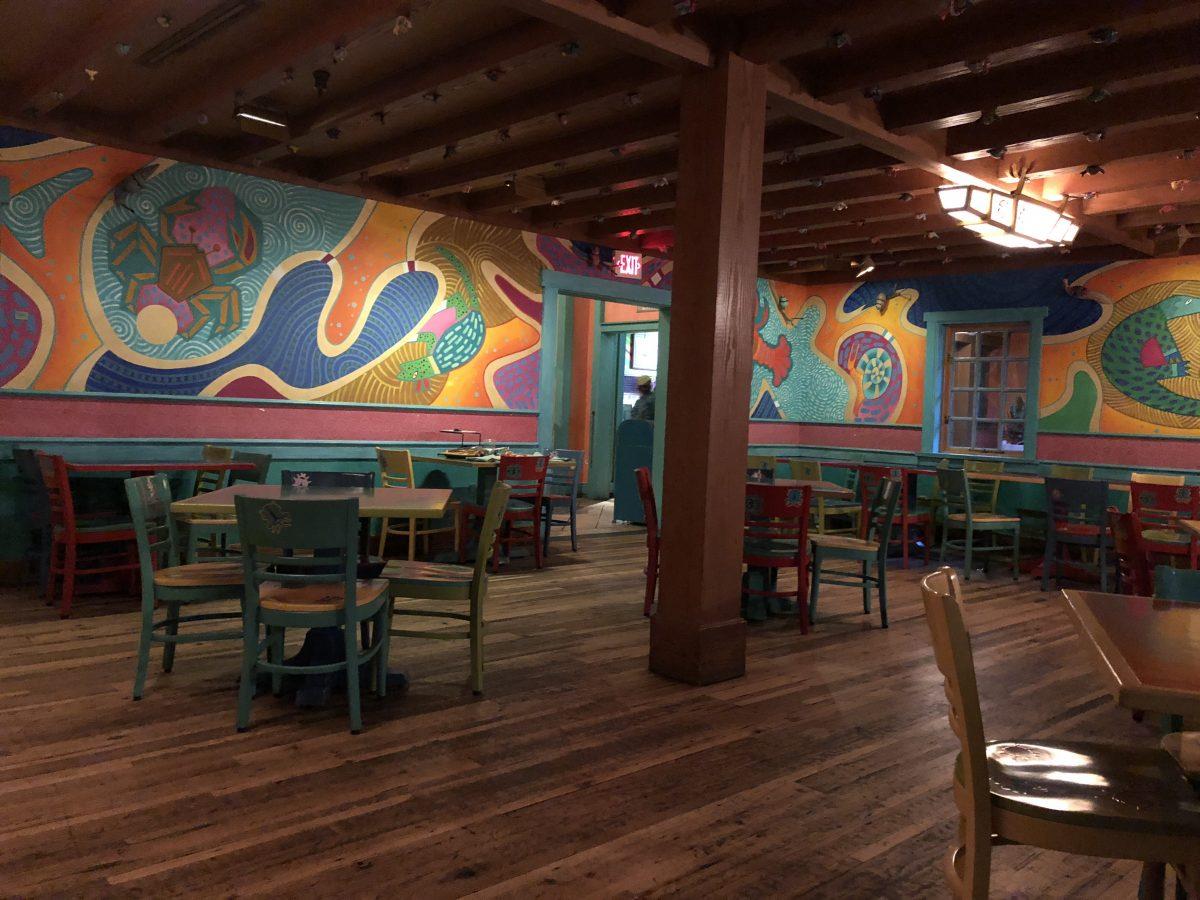 Empty dining area in Pizzafari in Animal Kingdom