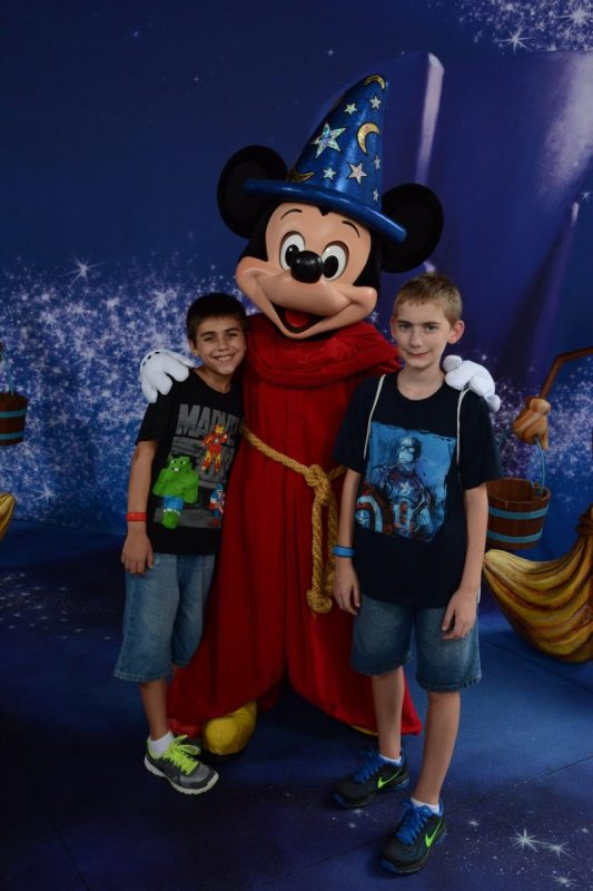 Mickey Mouse Meet and Greet in Disney's Hollywood Studios - Commissary Lane, Red Carpet Dreams