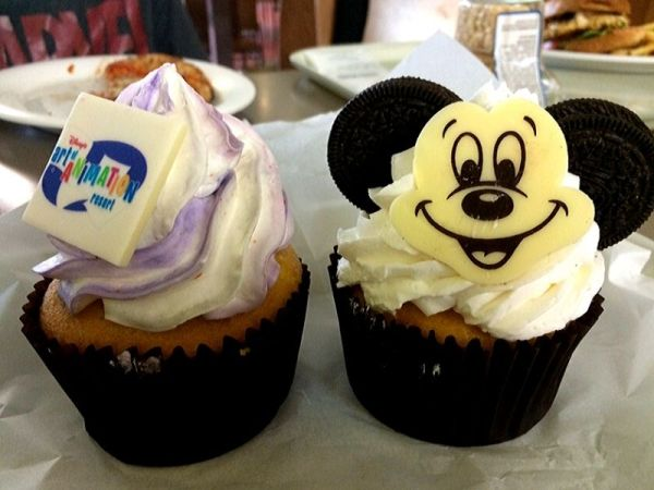 Everything You Need To Know About Disney Dining Plans