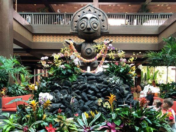 Maui at the entrance of Disney's Polynesian Village Resort