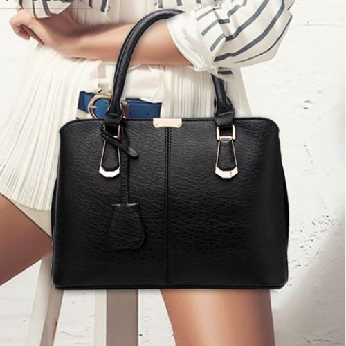 black tote purse