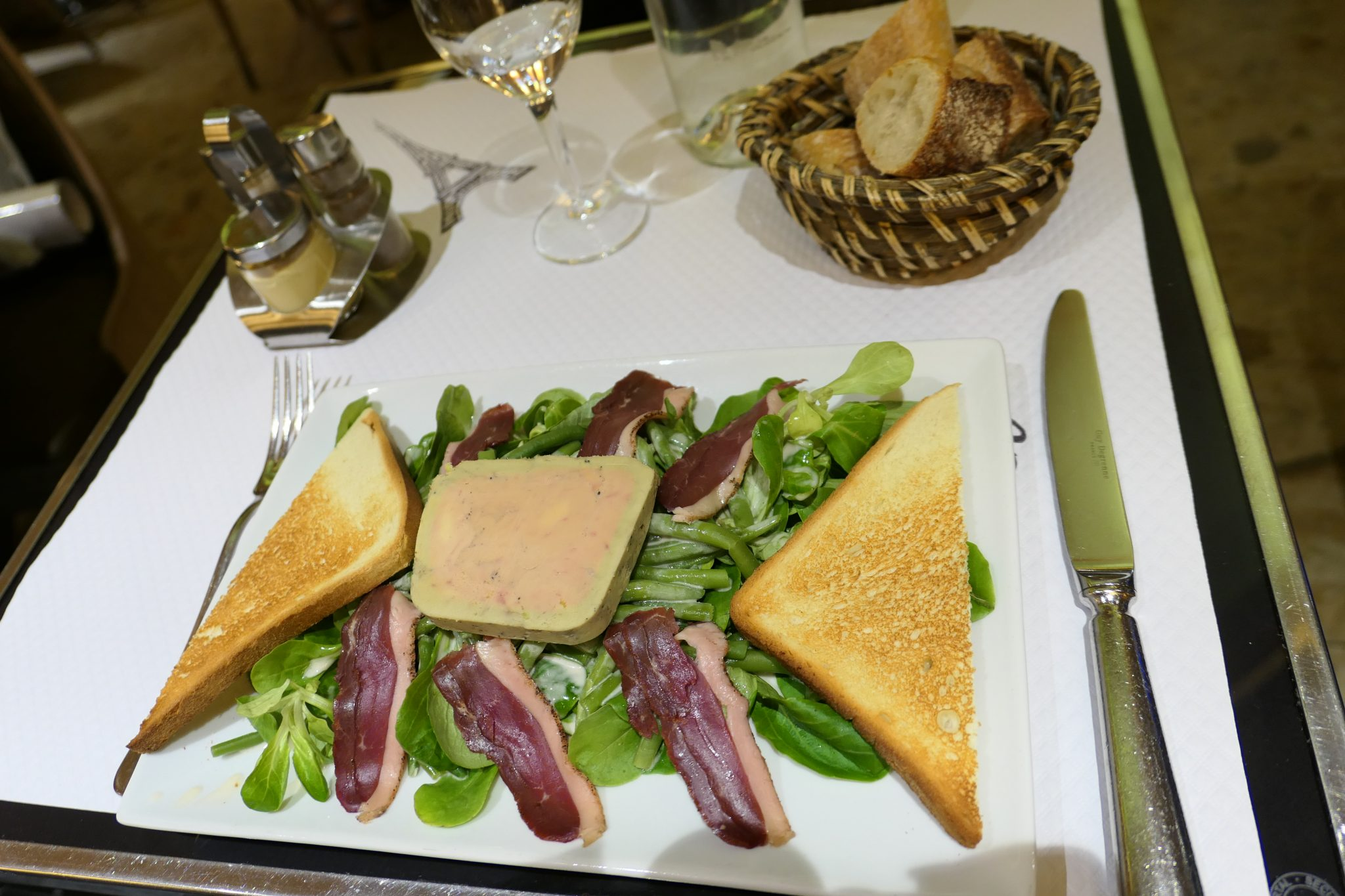 Duck salad with pate