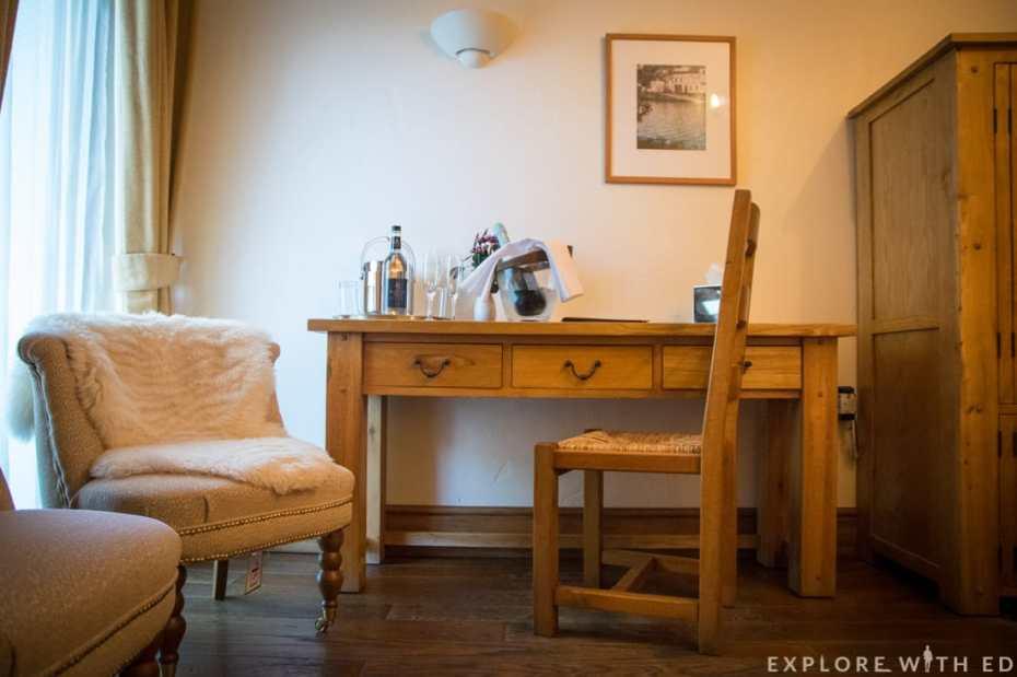 Newbridge on Usk country style room