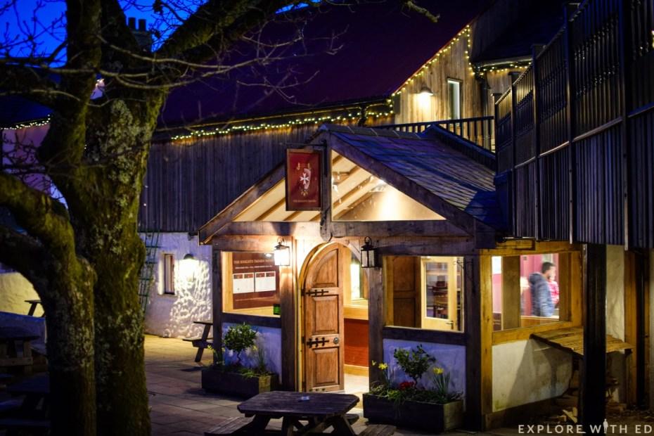 Knight's Tavern, Bluestone