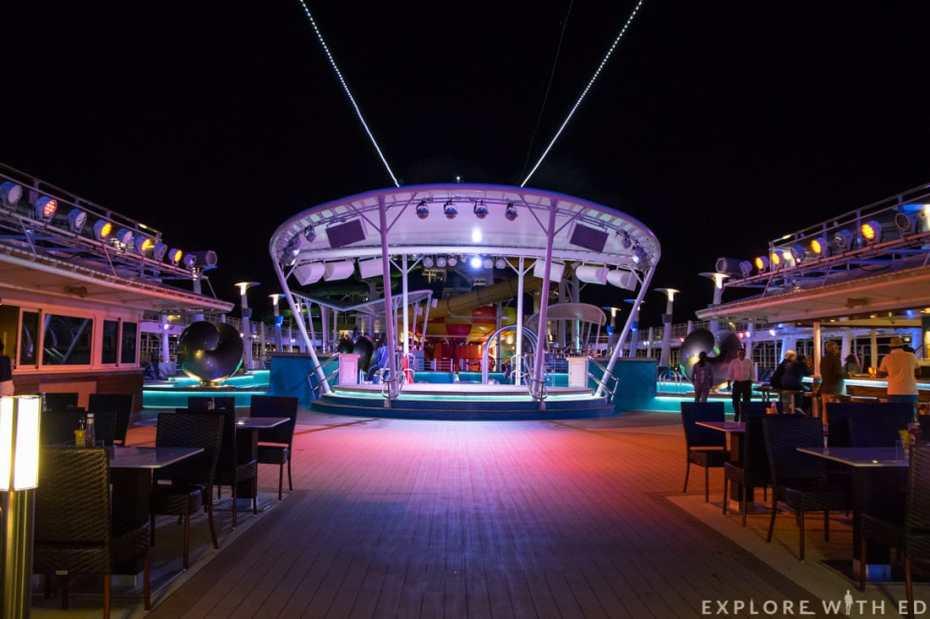 Waves Pool Bar, Norwegian Epic