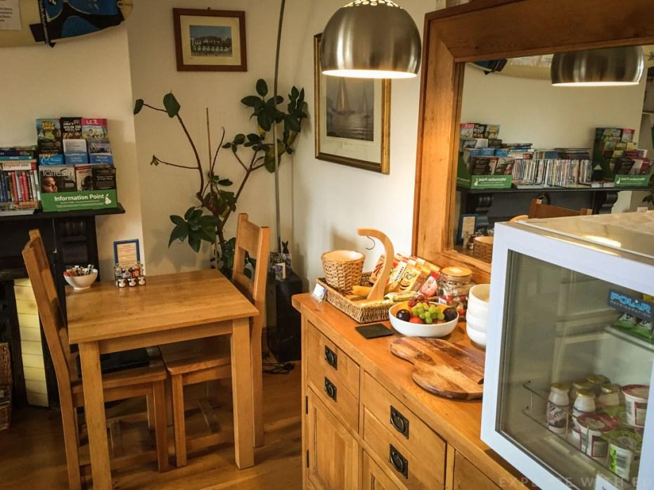 Breakfast room in Langland B&B Swansea