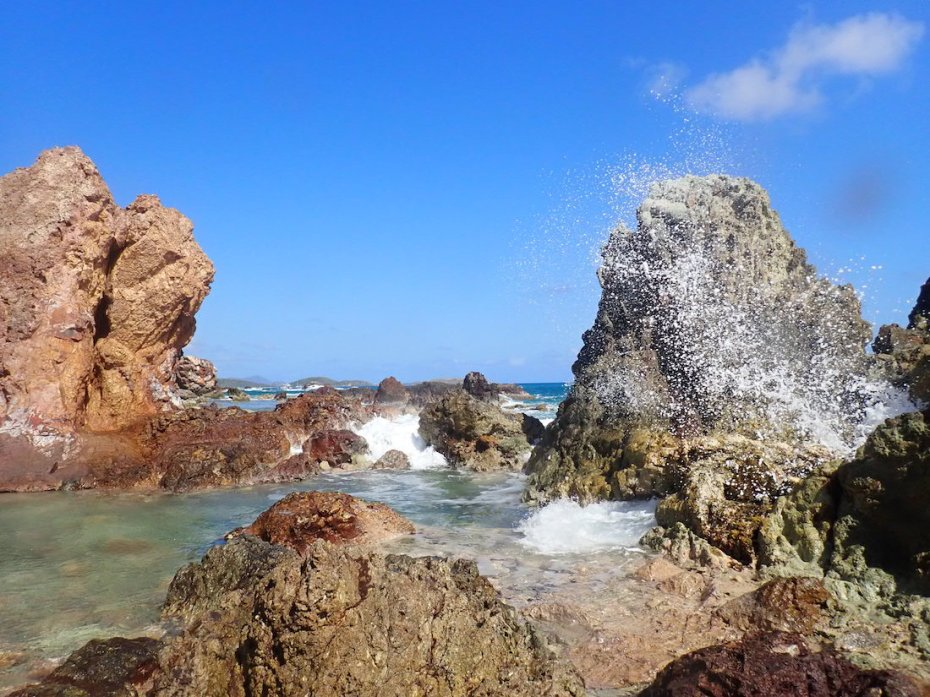 Blow Hole in Cas Cay