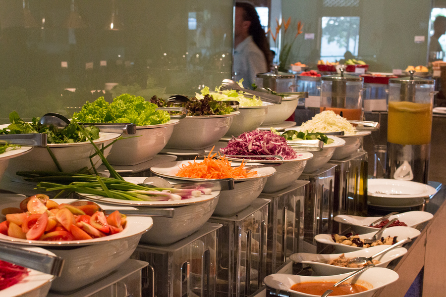 Buffet = gain weight on vacation