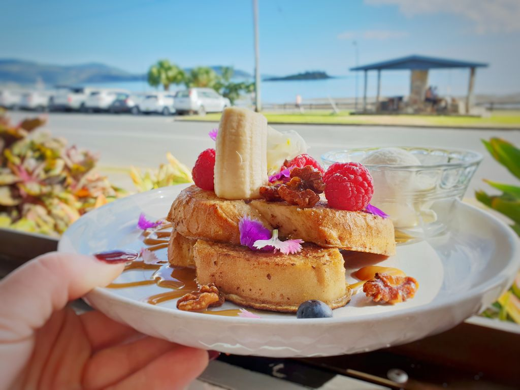 Where To eat in Whitsundays - Fat Frog french toast