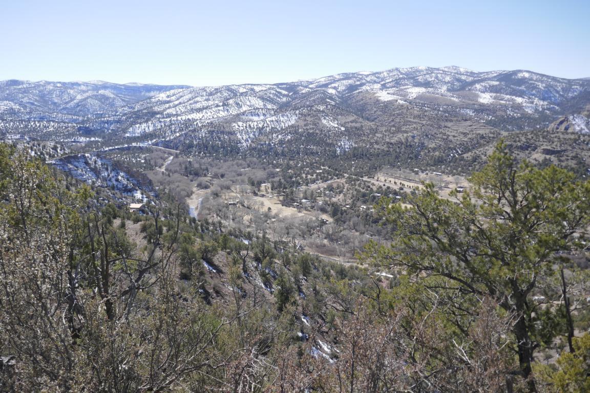 Blick auf das Dörfchen Gila Hotsprings