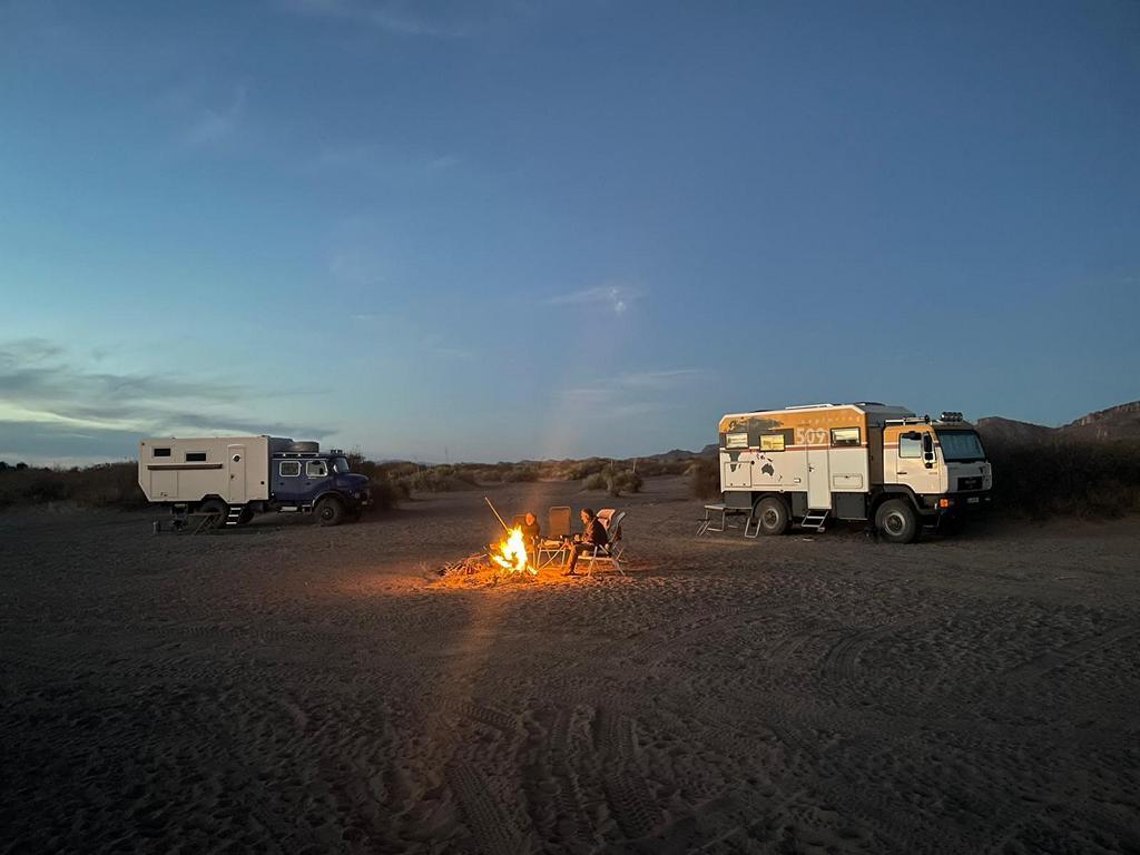 Unser Stellplatz an den Hot Well Dunes
