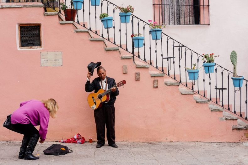 Busking, central Mexico
