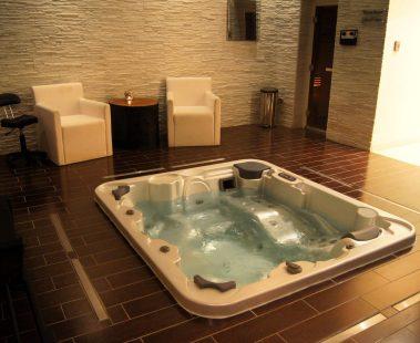 Radisson Blu Sohar Oman massage spa review