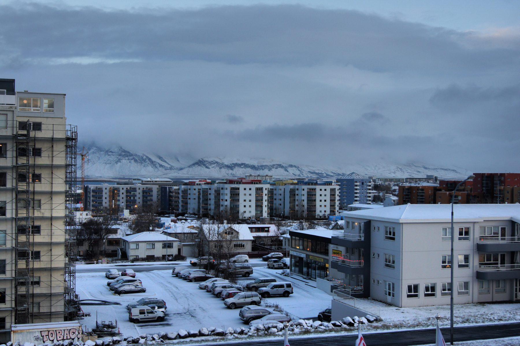 Sleeping in a Pod in Iceland - Galaxy Pod Hostel - Exploring Kiwis