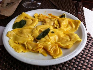 Cappellacci with butter and sage