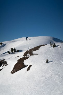 Rick ambling along the fine summit ridge on Mounta Adder