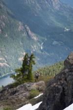 wolf-puzzel-mountain-volcano-lake-2335