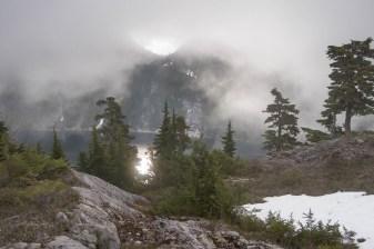 wolf-puzzel-mountain-volcano-lake-2387