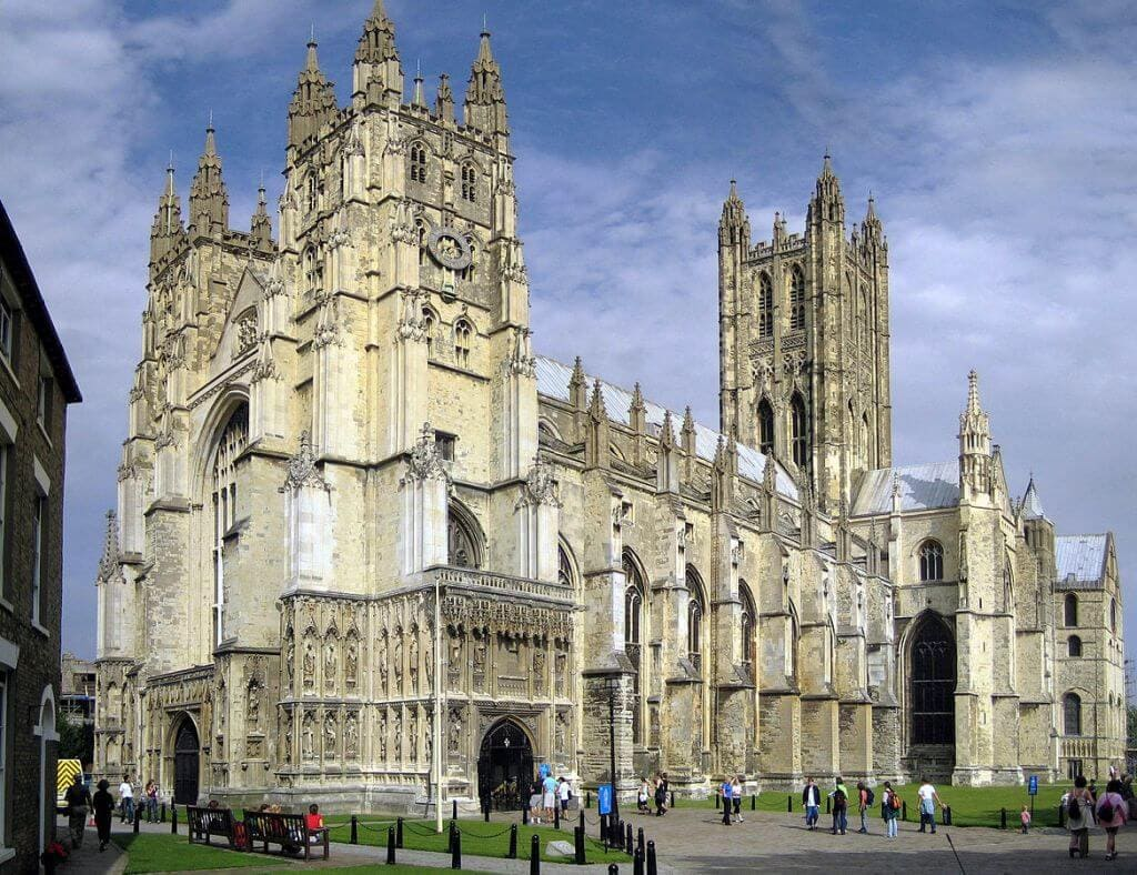 1170px-Canterbury_Cathedral_-_Portal_Nave_Cross-spire