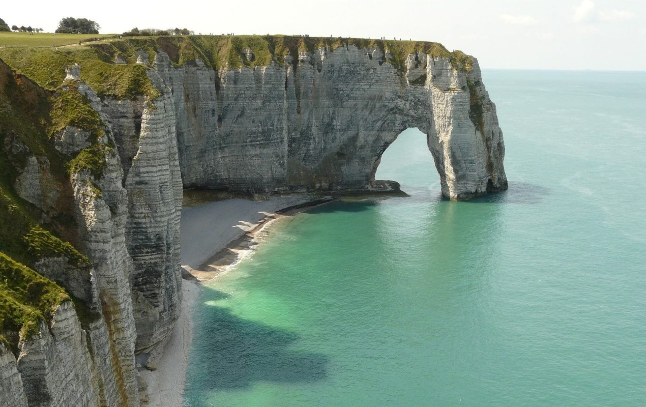 etretat - france bucket list destinations