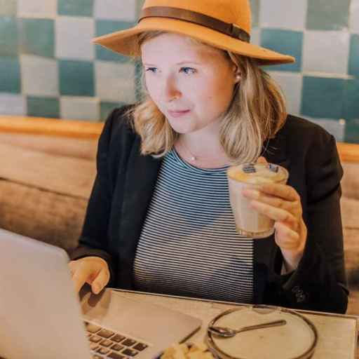 The pros and cons of a digital nomad lifestyle: the best or worst of both worlds?