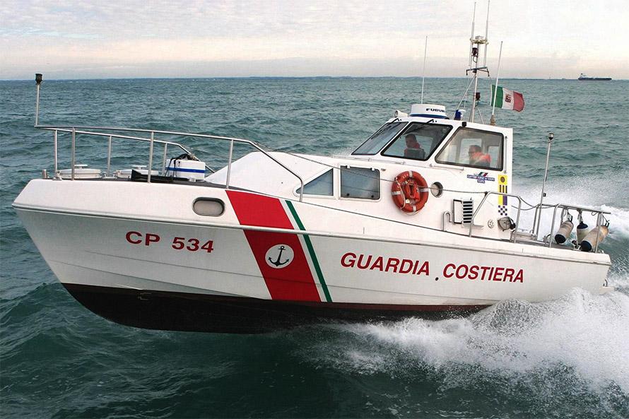 Imbarcazione Guardia Costiera P500