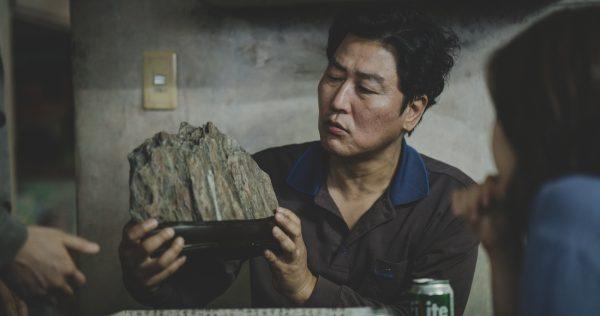 La película surcoreana «Parásitos», de Bong Joon-ho, hace historia y es la Mejor Cinta de los Óscar 2020