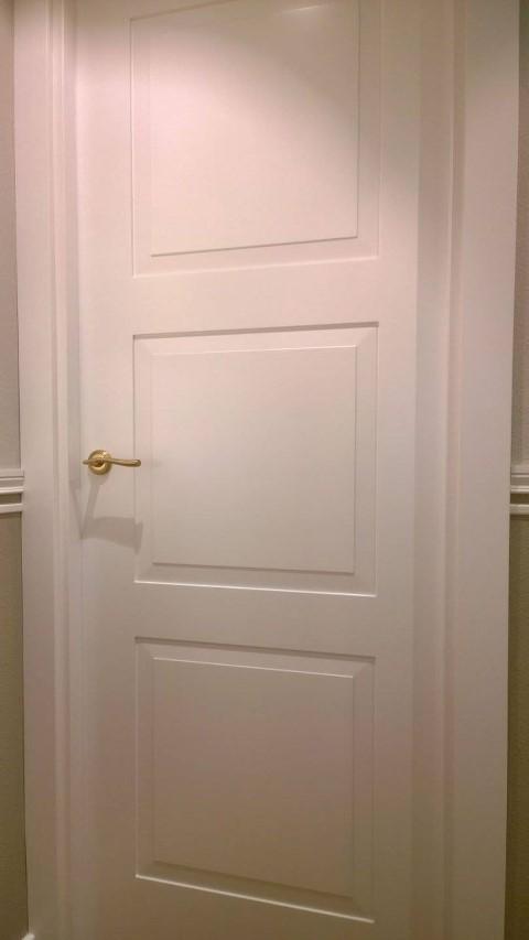 Puertas lacadas Frente Armario y Suelo Pergo  Puertas Actur